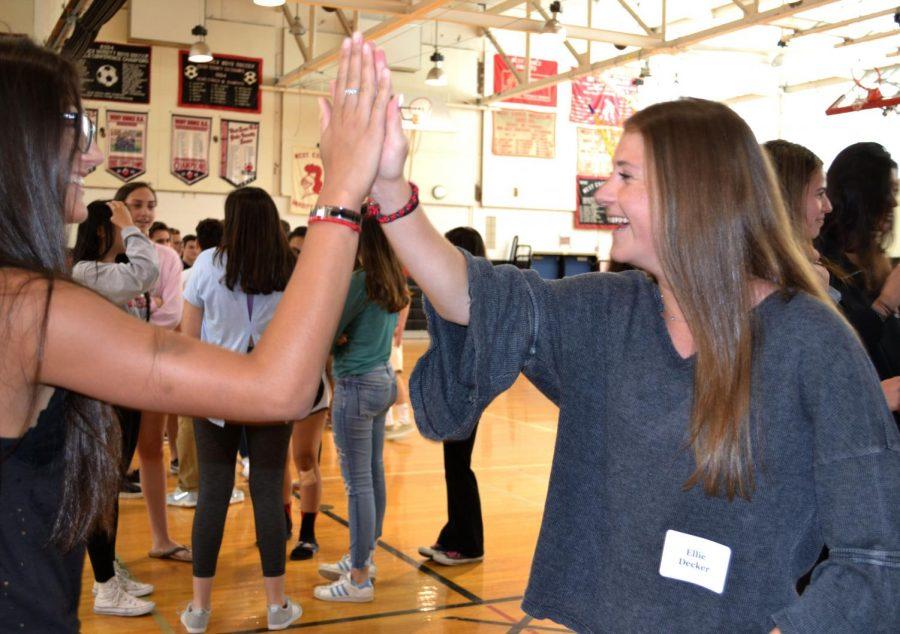 Peer leaders train to help freshmen adjust
