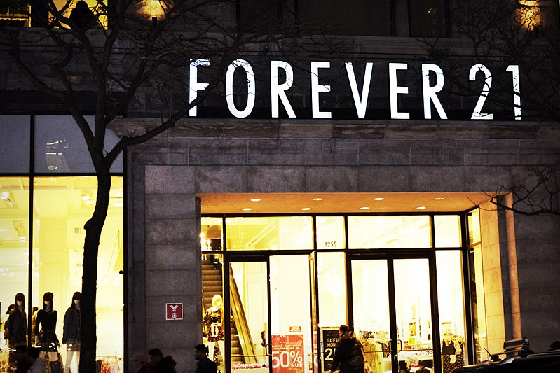 (Photo courtesy of Bargainmoose-CC BY 2.0) Forever 21 announces bankruptcy in October.