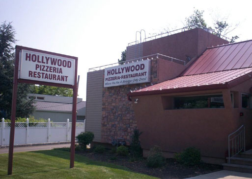 Storefront of Hollywood Pizza. Photo courtesy of hollywoodpizza.com.