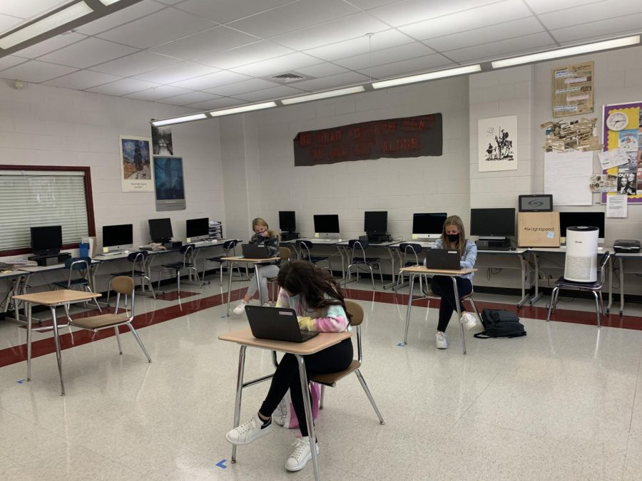 Students work in Chris Hermosilla's Period 4 Journalism class. West Essex opened its doors to students Oct. 5 for the first time since March as the school moves to a hybrid learning model.